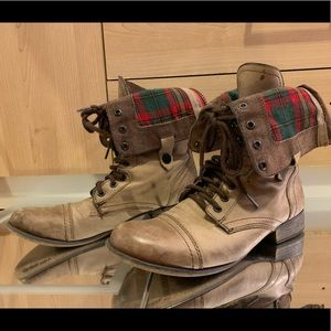 Steve Madden Combat Boots Size 9.5 Taupe